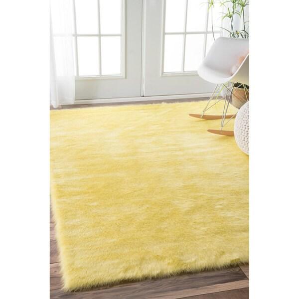 Nuloom Cozy Soft And Plush Faux Sheepskin Kids Nursery Yellow Rug 7 6 X 9