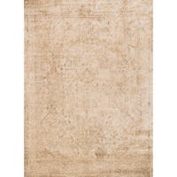 "Traditional Ivory/ Light Gold Distressed Rug - 5'3"" x 7'8"""