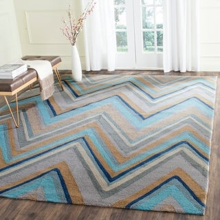 Safavieh Hand-Hooked Four Seasons Green/ Multi Chevron Rug (8' x 10')