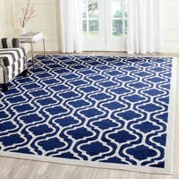 Safavieh Indoor/ Outdoor Amherst Navy/ Beige Rug - 8' x 10'