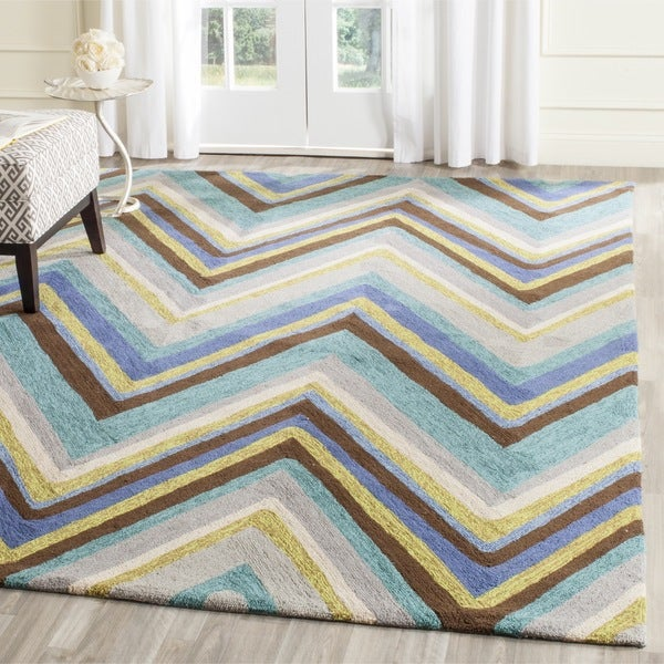 Safavieh Hand-Hooked Four Seasons Blue/ Multi Chevron Rug (5' x 7')