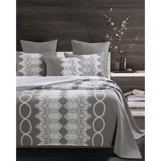 Greenland Home Fashions  Chantilly Lace White and Grey 3-piece Quilt Set