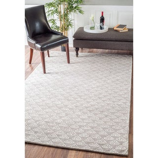 nuLOOM Handmade Modern Dotted Triangles Wool/ Viscose Grey Rug (7'6 x 9'6)