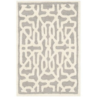 Safavieh Handmade Cambridge Silver/ Ivory Wool Rug (3' x 5')