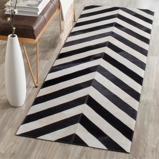 Safavieh Hand-woven Studio Leather Modern Chevron White/ Black Rug (2'3 x 7')