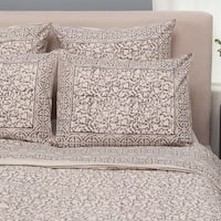 Handmade Set of 2 Taupe Chain Pattern King Pillow Shams (India)