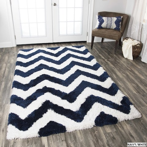 York Collection Chevron Patterened Accent Rug (3'6 x 5'6)