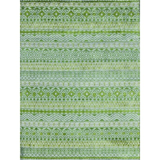 Hope Ornamental Patterened Apple Green Hand-knotted Rug (8'x10')