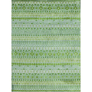 Hope Ornamental Design Apple Green Hand-knotted Rug (5'x8')