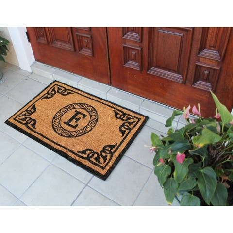 """Hand Crafted by Artisans Geneva Monogrammed Entry doormat (24"""" x 39"""")"""
