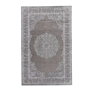 "Everly Medallion Gray/ Silver Area Rug (5' X 7'6"")"