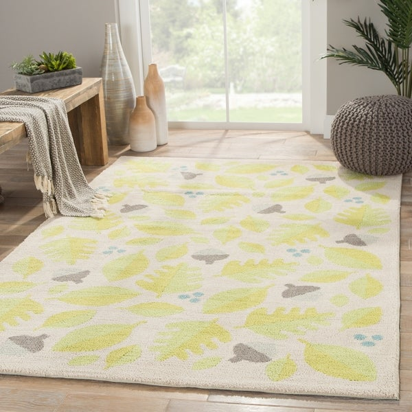 "Autumn Handmade Floral White/ Green Area Rug (5' X 7'6"")"
