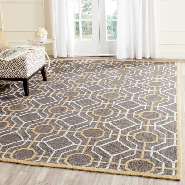 Safavieh Hand-Hooked Four Seasons Dark Grey / Ivory Polyester Rug - 8' x 10'