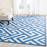 Safavieh Hand-Hooked Four Seasons Ivory / Blue Polyester Rug - 8' x 10'