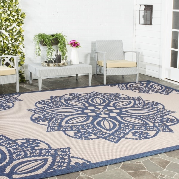 Safavieh Courtyard Floral Medallion Beige/ Navy Indoor/ Outdoor Rug - 9' x 12'