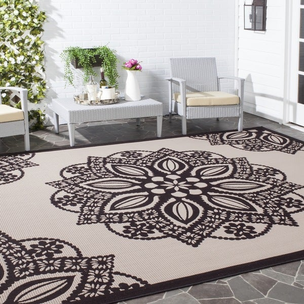 Safavieh Courtyard Floral Medallion Beige/ Black Indoor/ Outdoor Rug - 9' x 12'