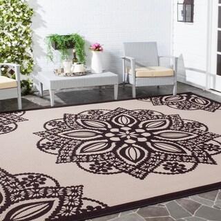 Safavieh Courtyard Floral Medallion Beige/ Black Indoor/ Outdoor Rug (8' x 11')