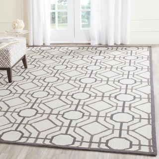 Safavieh Hand-Hooked Four Seasons Ivory / Black Polyester Rug (5' x 8')