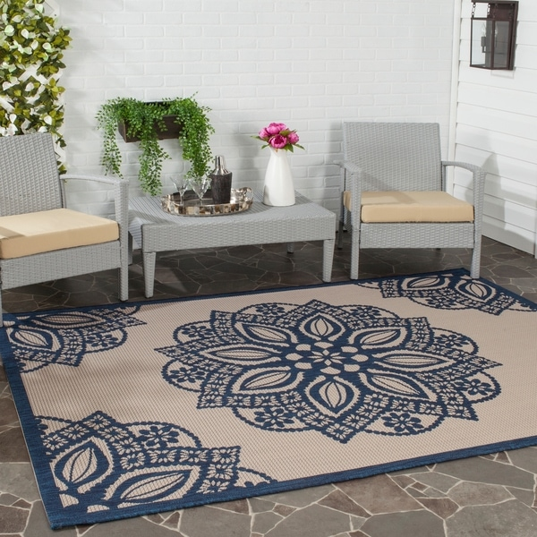 Safavieh Courtyard Floral Medallion Beige/ Navy Indoor/ Outdoor Rug - 6'7 x 9'6