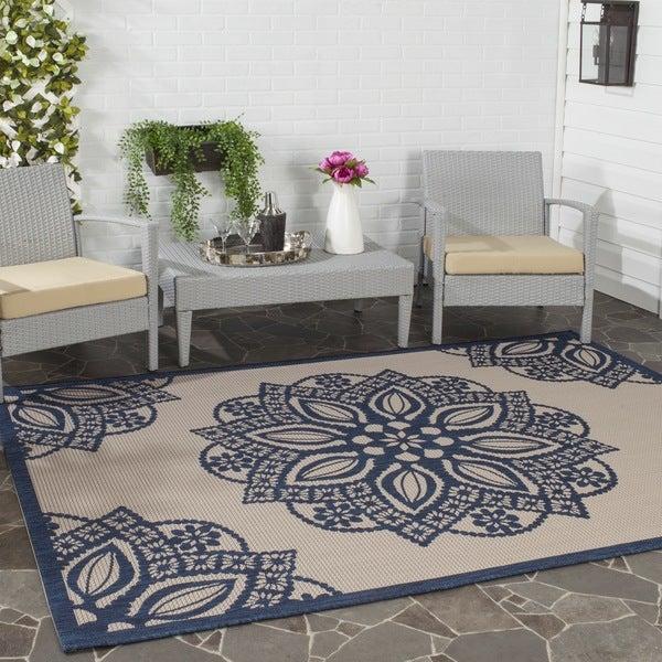 Safavieh Courtyard Floral Medallion Beige/ Navy Indoor/ Outdoor Rug (6'7 x 9'6)