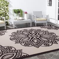 Safavieh Courtyard Floral Medallion Beige/ Black Indoor/ Outdoor Rug (6'7 x 9'6)