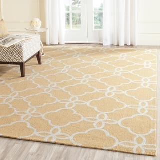 Safavieh Hand-Hooked Four Seasons Gold/ Ivory Polyester Rug (3'6 x 5'6)