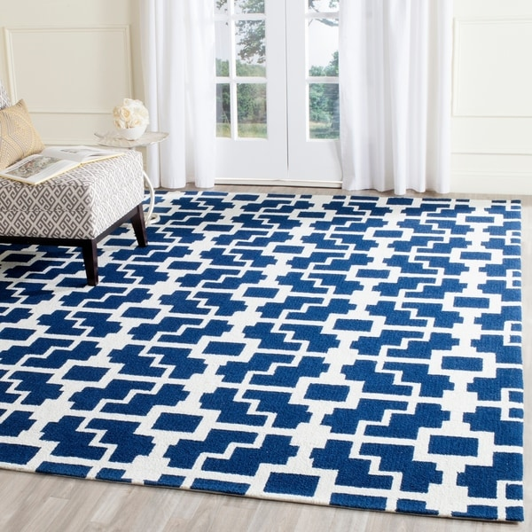 """Safavieh Hand-Hooked Four Seasons Navy / Ivory Polyester Rug - 3'6"""" x 5'6"""""""