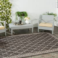 Safavieh Indoor/ Outdoor Courtyard Black/ Beige Rug - 4' x 5'7