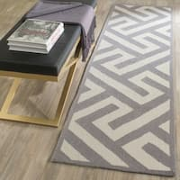 Safavieh Hand-Hooked Four Seasons Ivory / Grey Polyester Rug - 2'3 x 8'