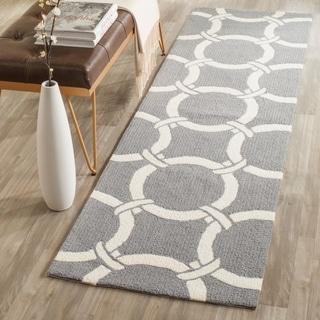 Safavieh Indoor/ Outdoor Hand-Hooked Four Seasons Grey/ Ivory Rug (2'3 x 8')