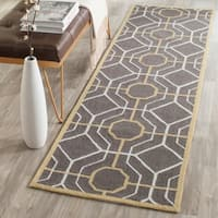 Safavieh Hand-Hooked Four Seasons Dark Grey / Ivory Polyester Rug - 2'3 x 8'