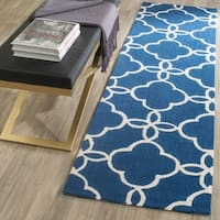Safavieh Hand-Hooked Four Seasons Navy / Ivory Polyester Rug - 2'3 x 8'