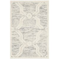 Safavieh Handmade Cambridge Light Grey/ Ivory Wool Rug - 2' X 3'