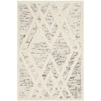 Safavieh Handmade Cambridge Modern Light Taupe/ Ivory Wool Rug - 2' X 3'