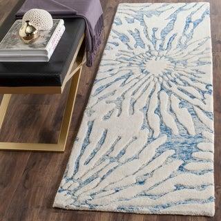 Safavieh Handmade Bella Dark Blue/ Ivory Wool Rug (2'3 x 7')