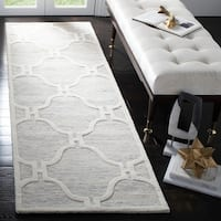 Safavieh Handmade Cambridge Light Grey/ Ivory Wool Rug - 2'6 x 8'