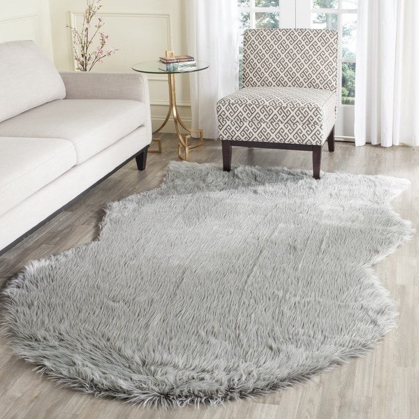 Safavieh Handmade Faux Sheepskin Light Grey Japanese