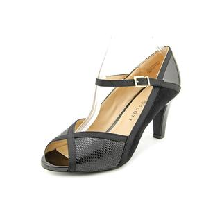 Karen Scott Women's 'Nevv' Black Pumps