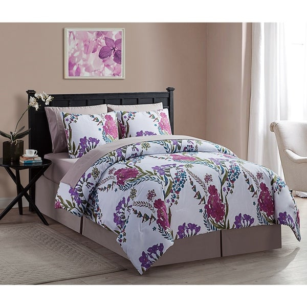 VCNY Annalise 8 piece Bed in Bag with Sheet Set