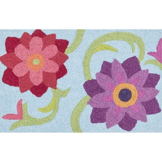 Hand-hooked Marcy Light Blue/ Berry Flower Rug (1'9 x 2'9)