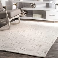 nuLOOM Handmade Carved Hexagon Wool Ivory Rug - 8'6 x 11'6