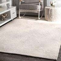 """nuLOOM Handmade Carved Floral Wool Ivory Rug (8'6 x 11'6) - 8'6"""" x 11'6"""""""