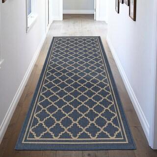 Jardin Collection Moroccan Trellis Design Indoor/Outdoor Runner Rug (2'7 x 7'3)