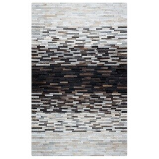 Rizzy Home Cumberland Pass CP9334 Leather Color-Blocked Area Rug (5' x 8')