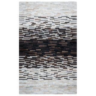 Rizzy Home Cumberland Pass CP9334 Leather Color-Blocked Area Rug (8' x 10')