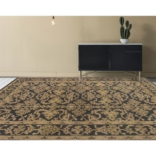 Ariel Charcoal Traditional Design Hand-knotted Rug (10'x14')