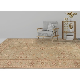 Ariel Light Green Traditional Design Hand-knotted Rug (2'x3')
