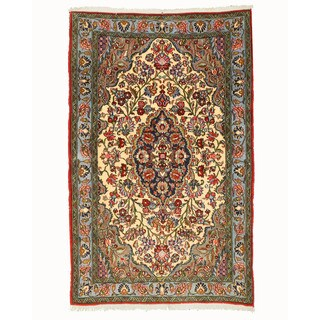 Hand-knotted Wool Ivory Traditional Oriental Qum Rug - 3'4 x 5'2