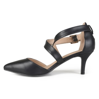 Journee Collection Women's 'Riva' Pointed Toe Matte Pumps