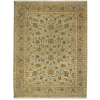 Bethany Grey/ Beige Traditional Hand-knotted Rug - 2' x 3'